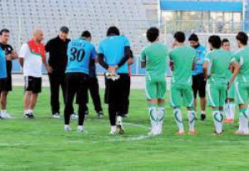 اتحاد الكرة يقيم دورة تدريبية لمدربي اندية المحافظات في ذي قار