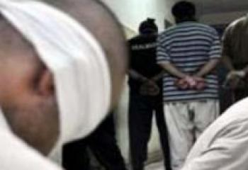 اعتقال خمسة من اصحاب البسطيات المتاجرين بالالات الحادة والمفرقعات