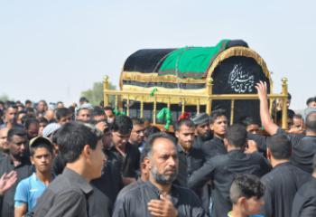 بالصور:الالاف من ابناء الناصرية يحييون ذكرى شهادة الامام الكاظم