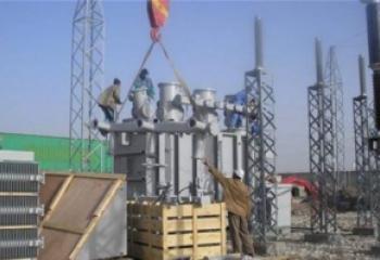 نصب محطة كهرباء متنقلة جديدة قرب المدينة الجامعية في الناصرية
