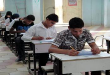 طلبة الوقف الشيعي يؤدون الامتحانات التقويمية في ذي قار