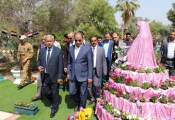محافظ ذي قار يفتتح معرض الزهور الرابع في الناصرية - تقرير مصور -