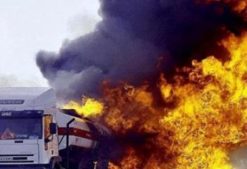 ظاهرة حرق العجلات تعود مجددا ، وشرطة ذي قار تسجل حادثين في اسبوع واحد
