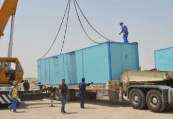 الموارد المائية تنصب احدى محطات تحلية المياه الكويتية في ذي قار
