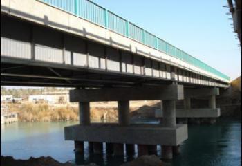 الناصري يعلن احالة جسر النصر الكونكرتي شمالي ذي قار للتنفيذ
