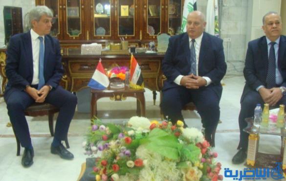 السفير الفرنسي لدى بغداد يحمل خطة عمل تجارية واقتصادية .. ويصف زيارته لغرفة تجارة الناصرية (بالمهمة) كتب / فوزي التميمي