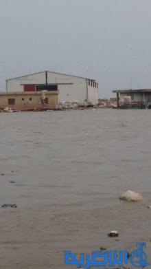 بالصور : خسائر فادحة لشركة استثمارية بسبب مياه المجاري في الناصرية