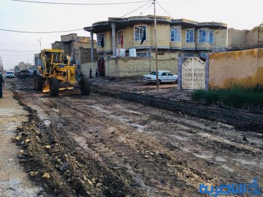 بلدية الشطرة تنفذ حملة لفرش السبيس للمناطق المتضررة من الامطار