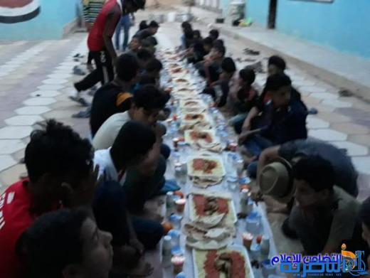 بالصور: مبرة التضامن في النصر تقيم مأدبة إفطار لتلاميذها الأيتام