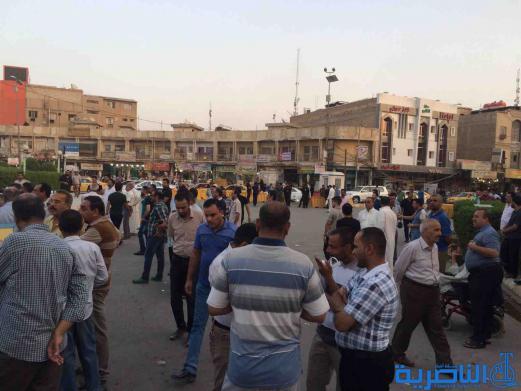بالصور : متظاهرو الناصرية يطالبون العبادي بالاصلاح وتطبيق وصايا المرجعية