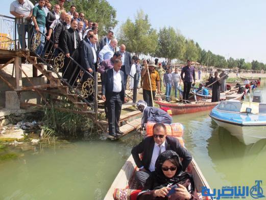 بالصور : عادل عبد المهدي وبرهم صالح سائحان في اهوار الجبايش