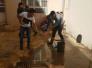 شباب موصليون يطلقون حملة واسعة لتنظيف المدارس والمستشفيات مجاناً