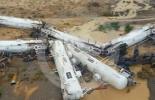 قطار يجر صهاريج معبأة بـ200 ألف لتر من حمض الكبريتيك يخرج عن السكة (فيديو)